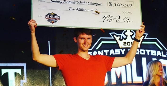 Aaron Jones vince 5 milioni di dollari con DFS